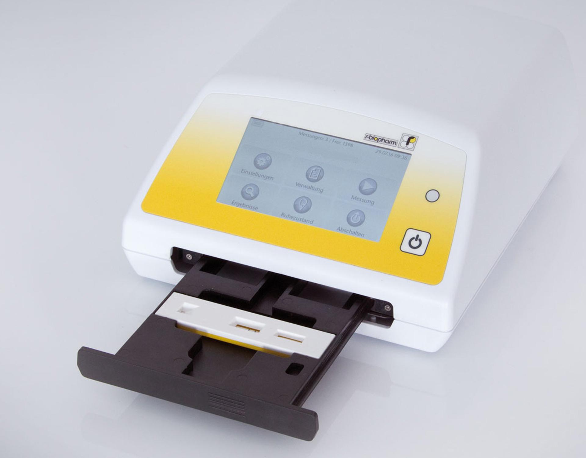 Rechteckiges, handliches Gerät mit kleinem Bildschirm